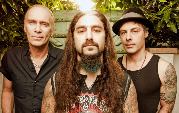 "The Winery Dogs premiere video for ""I'm No Angel"""