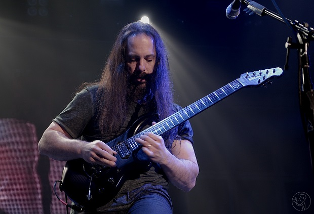 John Petrucci with Dream Theater, January 25th, 2014 @Arena Wien, Austria