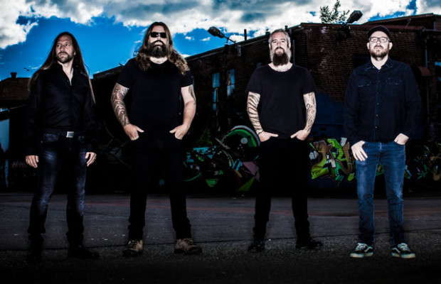 "IN FLAMES Premiere Live Clip for ""Everything's Gone"""
