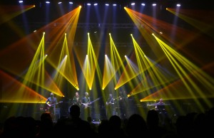 Video: UMPHREY's McGEE Dedicate KING CRIMSON Cover to Late JOHN WETTON